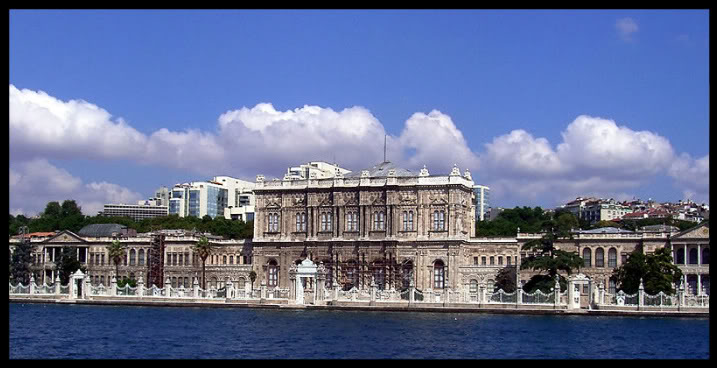 800px-Dolmabahce